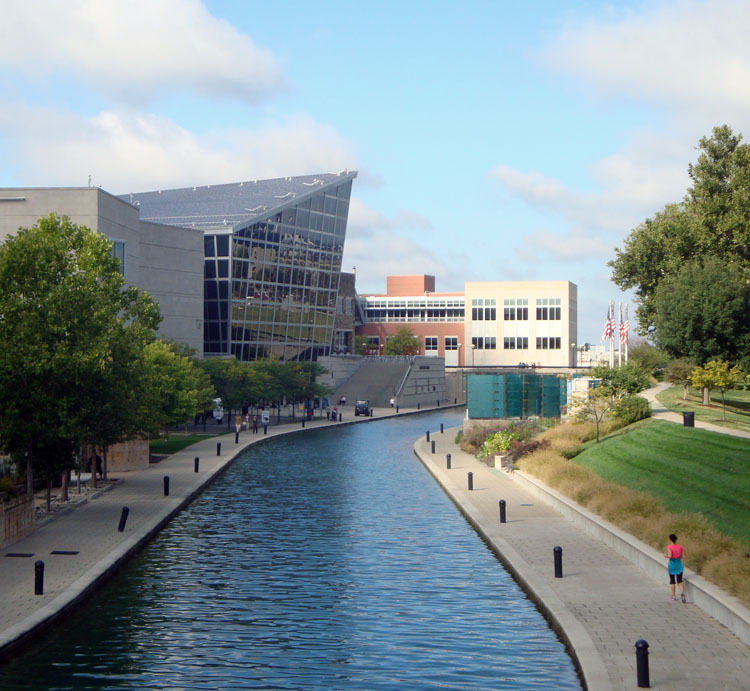 Canal Walk and Indiana State Museum