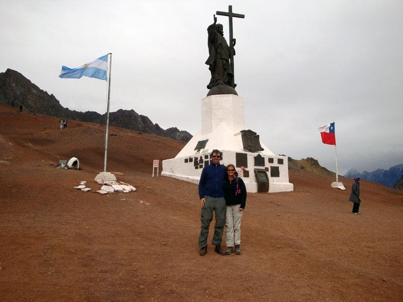 Image of Mark & Julie at the border.