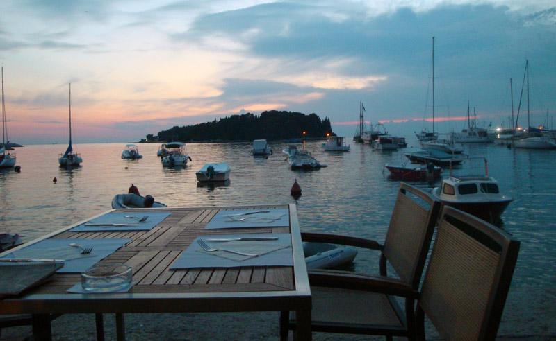 Image of Harbor side dining in Rovinj