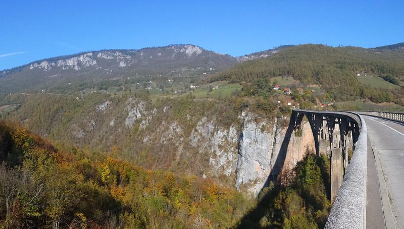 Image of The Tara River Bridge.
