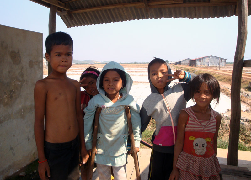 Image of Khmer kids.