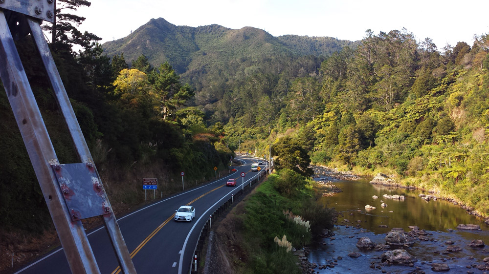 Image of New Zealand road.