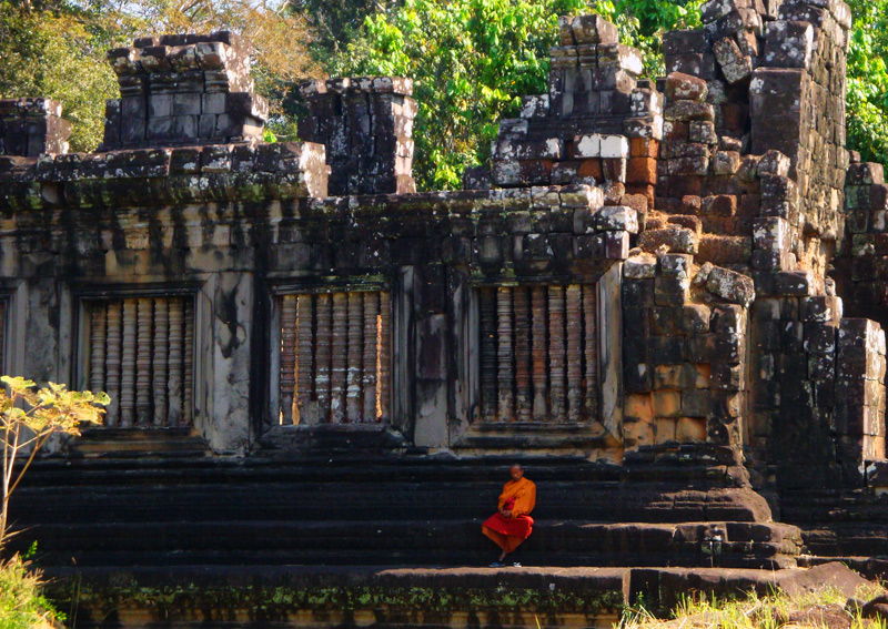 Monk outside North Kleang in Angkor Thom