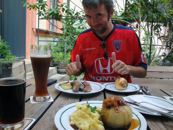 Image of Beer and food at Schlenkerla in Bamberg, Germany